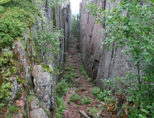 Naar de Slåttdalsskrevan, hoogtepunt van de Hoge Kust